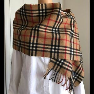 Euc Burberry vintage check lambswool scarf